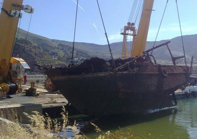 Recuperación de pecios de acero en la Base Naval Mers El Kebir